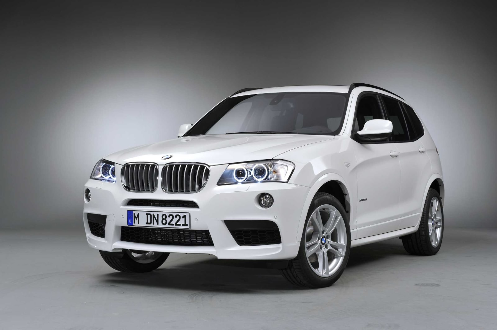 modellbeschreibung ber den bmw x3 f25. Black Bedroom Furniture Sets. Home Design Ideas