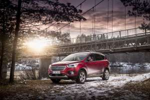 Ford-Kuga-Adventure-Titanium-RubyRed-