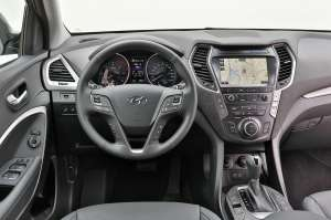 Hyundai-Grand-Santa-Fe-Cockpit