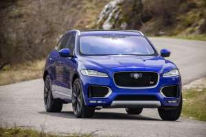 dynamisches-Jaguar-SUV-F-Pace-Front
