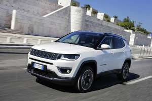 Jeep-Compass-Limited-Frontperspektive-3