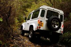 Defender_MY2012_16_lt
