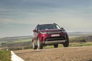 Land-Rover-Discovery-2017-Font