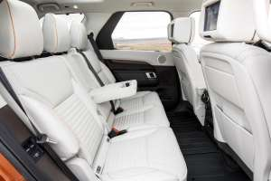 Land-Rover-Discovery-2017-Interieur-Fontbereich