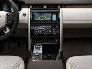 Land-Rover-Discovery-2017-Interieur-Mittelkonsole-Mediacenter