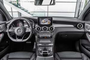 Mercedes-AMG-GLC-Coupe-Cockpit