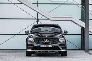 Mercedes-AMG-GLC-Coupe-Frontal-Stand