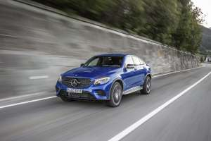 Mercedes-GLC-Coupe-Frontansicht-Perspektive-in-Fahrt