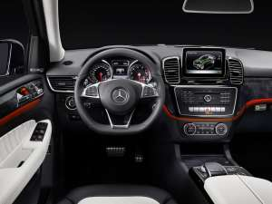 Mercedes-Benz-GLE-15